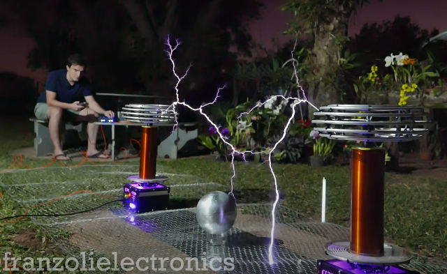 Toto's 'Africa' Performed On Tesla Coils